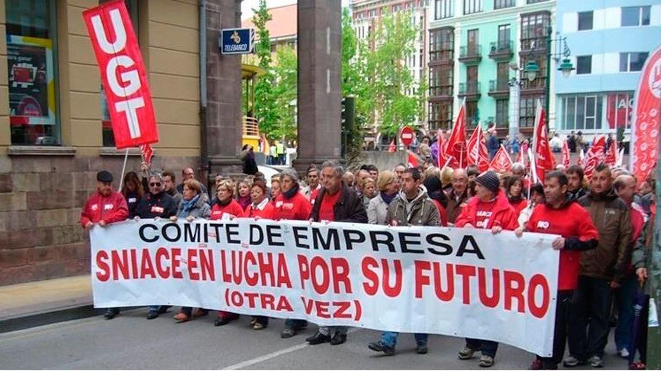 Manifestación de trabajadores de Sniace (imagen de archivo)
