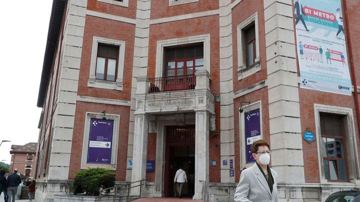 Los contagios en el hospital de Basurto de Bilbao llegan a 37 y se estudia otro en Gipuzkoa