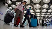 La Comunidad de Madrid alerta de que están recibiendo por Barajas casos importados