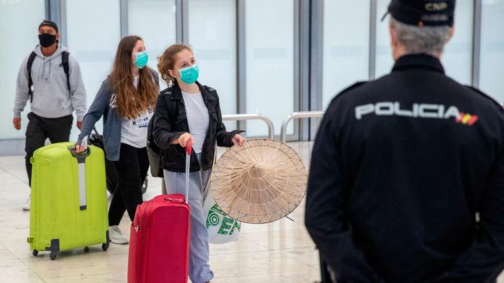 Madrid considera insuficientes las revisiones visuales en el aeropuerto