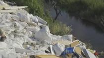 Los incívicos han seguido 'ensuciando' el Río Guadarrama durante el confinamiento