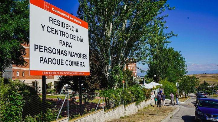 Móstoles denunciará al consejero de Sanidad por el protocolo de derivación en residencias