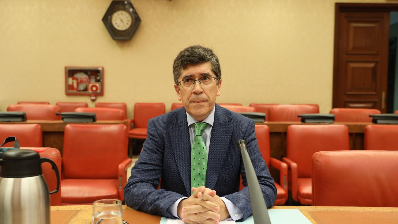 """Carlos Vidal, Catedrático de Derecho Constitucional de la UNED """"La prohibición de entrada a una comunidad autónoma sería imputable en los tribunales"""""""