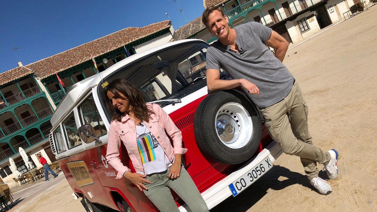 Carmen Alcayde y Óscar Martínez, en 'Dos en la carretera'.