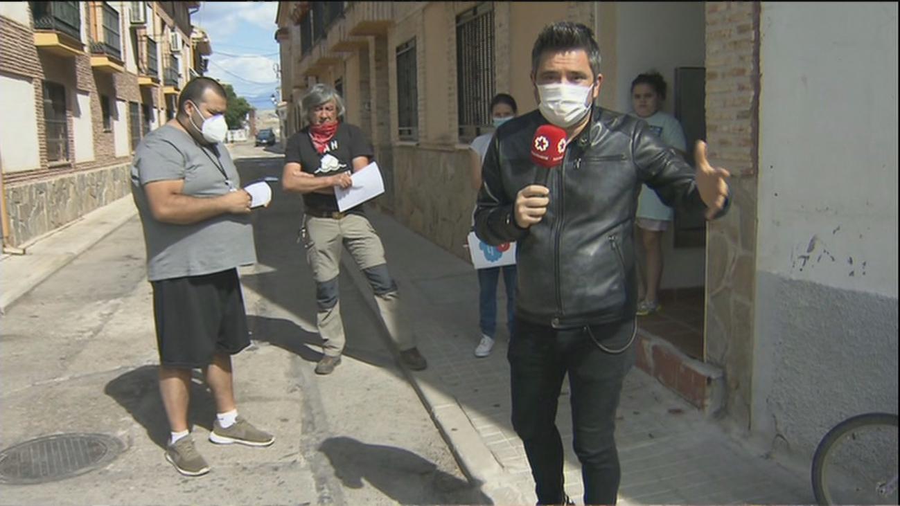 'Okupas' de Valdetorres del Jarama se quejan de que les cortarán la luz pese a pagar la acometida