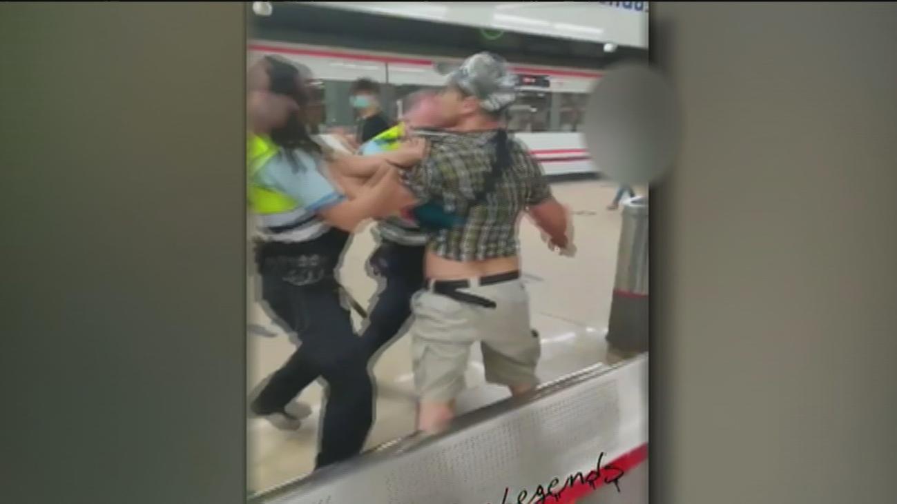 Violento forcejeo en la estación de Cercanías de Getafe tras negarse un viajero a usar mascarilla