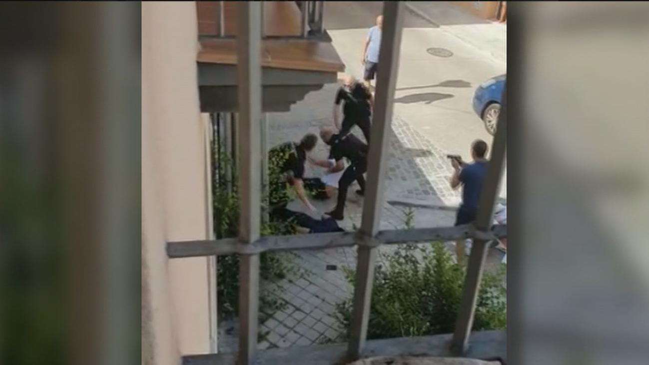 Así retuvo un policía fuera de servicio a dos narcos en Fuencarral autores de un 'vuelco de coacína'