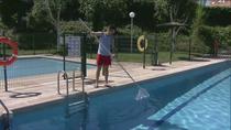 Abren las piscinas con retraso y sobrecostes por el coronavirus
