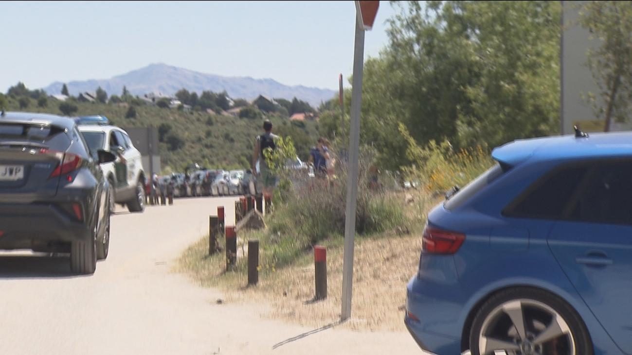Los madrileños vuelven a colapsar los aparcamientos de la sierra