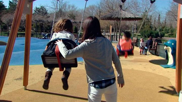 El Escorial reabre sus parques infantiles para favorecer el ocio al aire libre