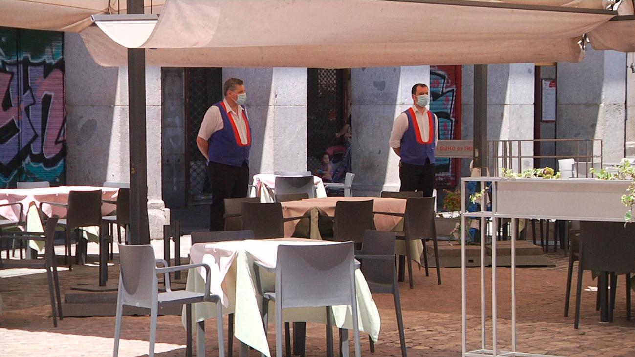 La Plaza Mayor, pocos visitantes y sin turistas extranjeros