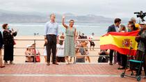 """Los Reyes visitan Canarias para lanzar el mensaje de que """"ya se puede viajar"""""""