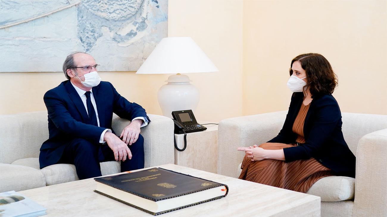 Díaz Ayuso se reúne con Gabilondo para hablar sobre la desescalada