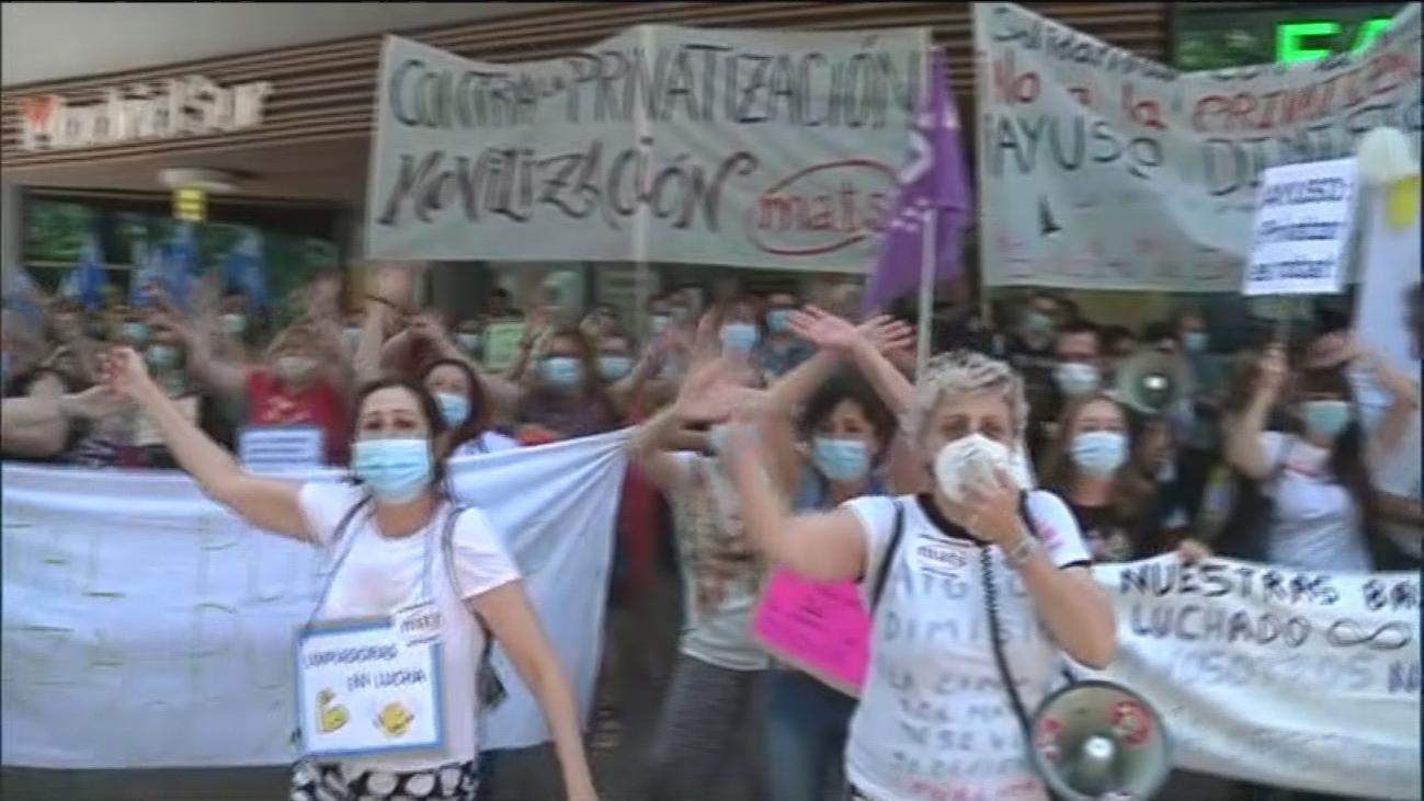 """Trabajadoras de la limpieza del Gregorio Marañón paran contra """"la intención de privatizar el servicio"""""""