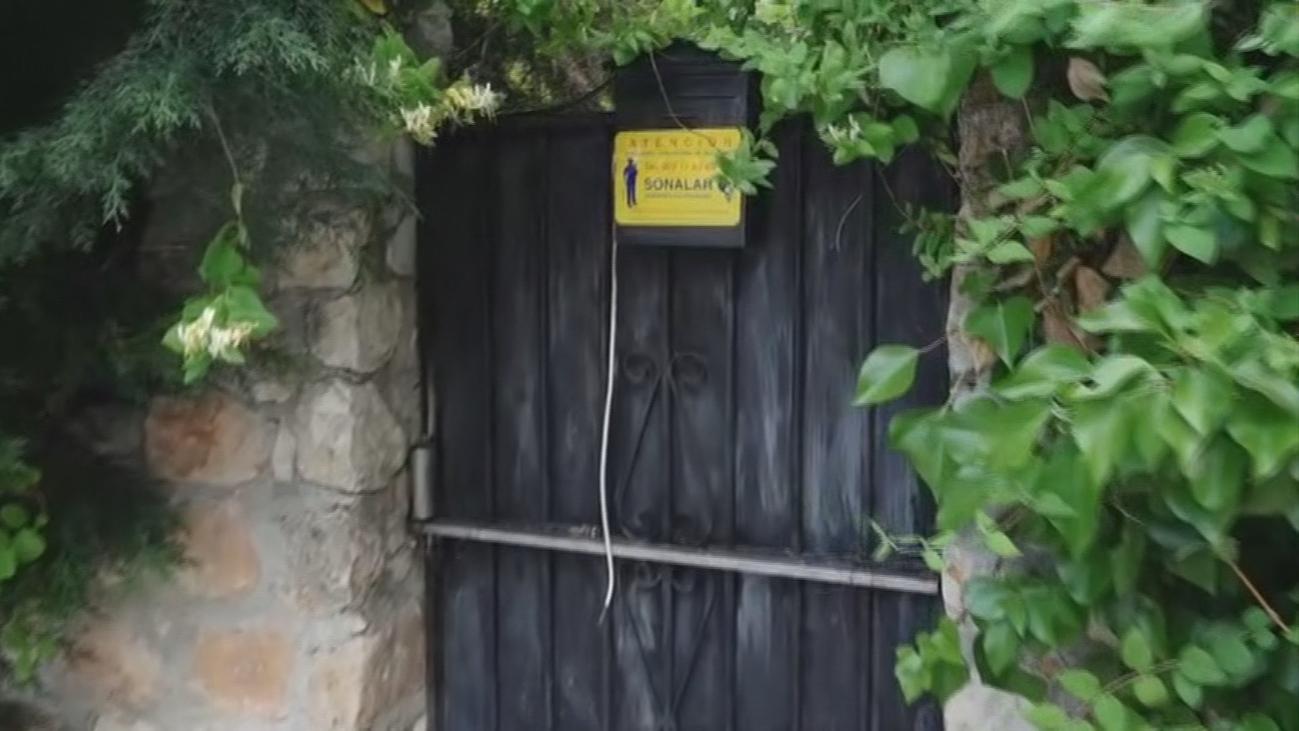 Así evitan la okupación de un chalet abandonado en Carabaña