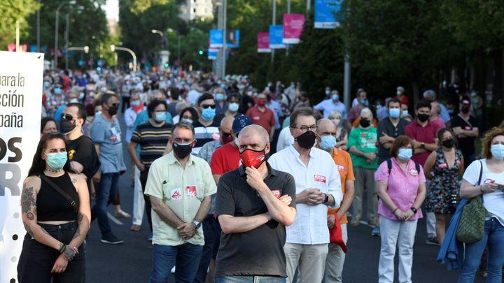 Miles de personas se concentran en Madrid por la reconstrucción social