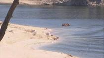 Los controles evitan que el pantano de San Juan se llene de bañistas