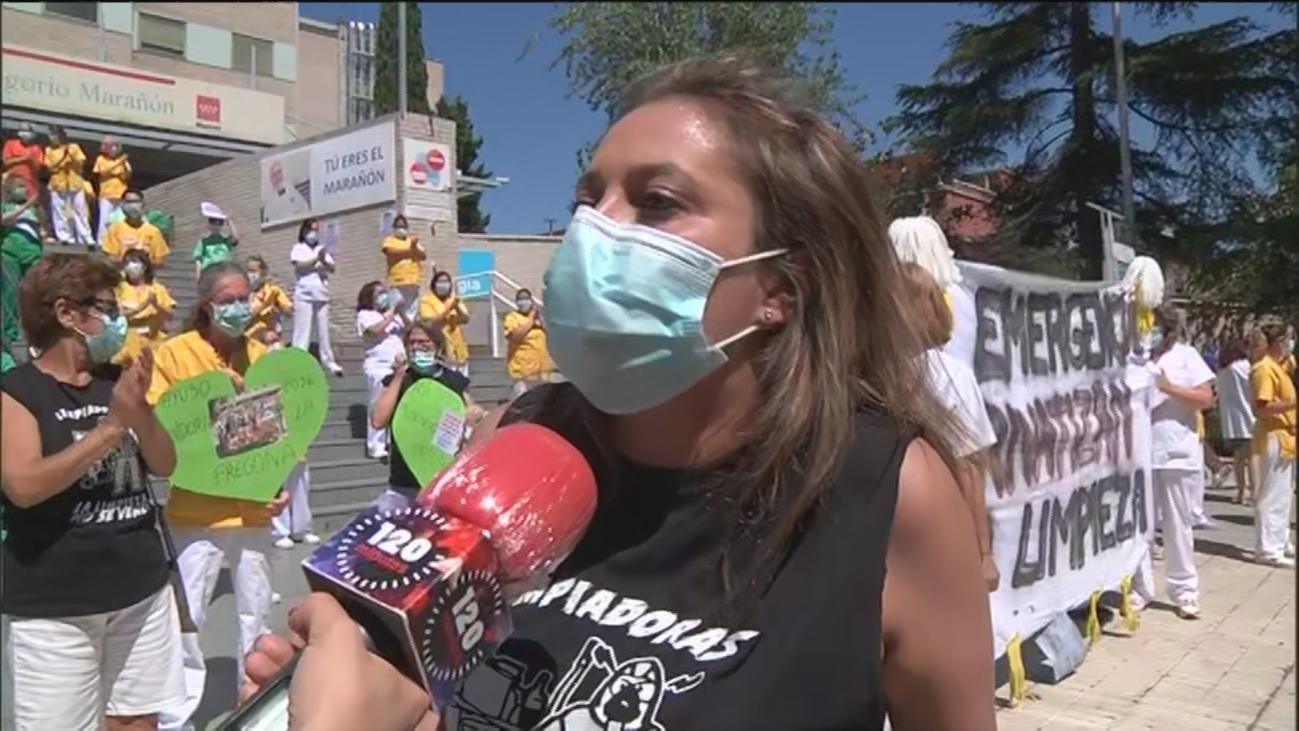 """Trabajadoras de la limpieza del Gregorio Marañón en huelga: """"No queremos aplausos, queremos un empleo digno"""""""
