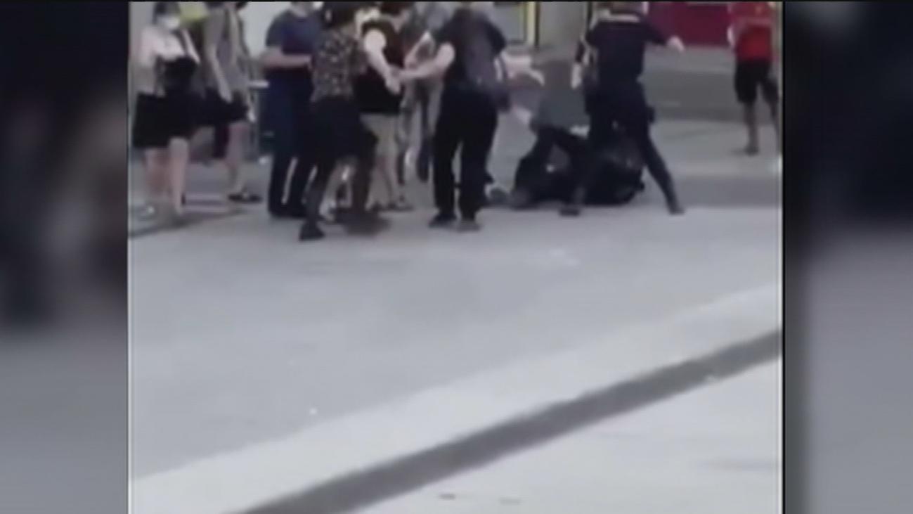 Tres policías heridos a golpes y patadas cuando procedían a una detención en Lavapiés
