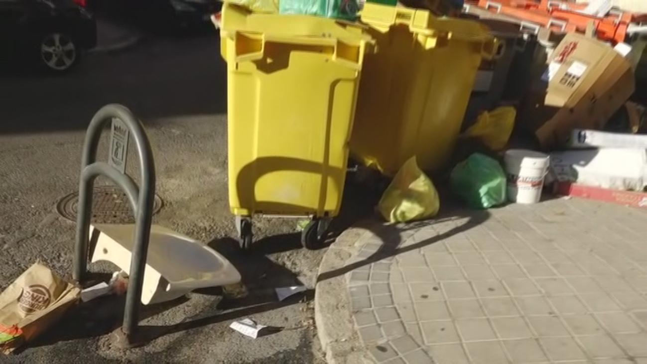 Denuncian la falta de limpieza, en Puerta del Ángel