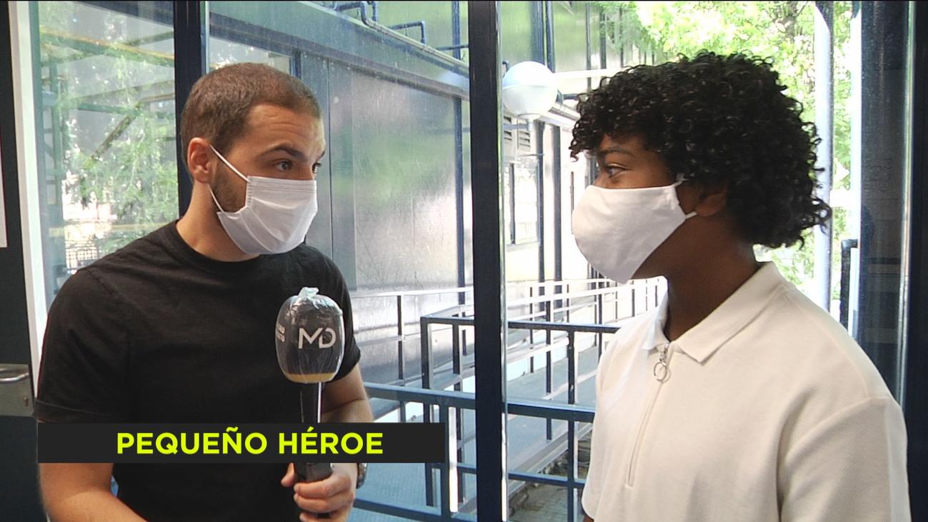 Un niño de 15 años salva la vida a una señora, en Cuidad Lineal