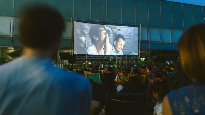 El cine de verano regresa a Sevilla la Nueva con otra ubicación y medidas de seguridad