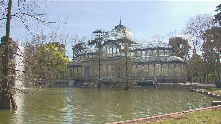 El Retiro y otros ocho parques de Madrid tendrán cierres parciales este martes al estar en alerta naranja