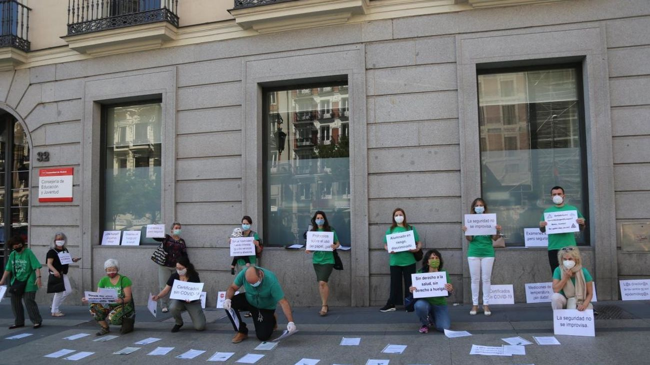 Los profesores de las escuelas de idiomas  protestan por la falta de seguridad sanitaria en los centros