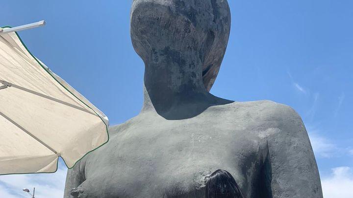 'La Mujer de Coslada' sufre un ataque vandálico y es restaurada por Antonio López