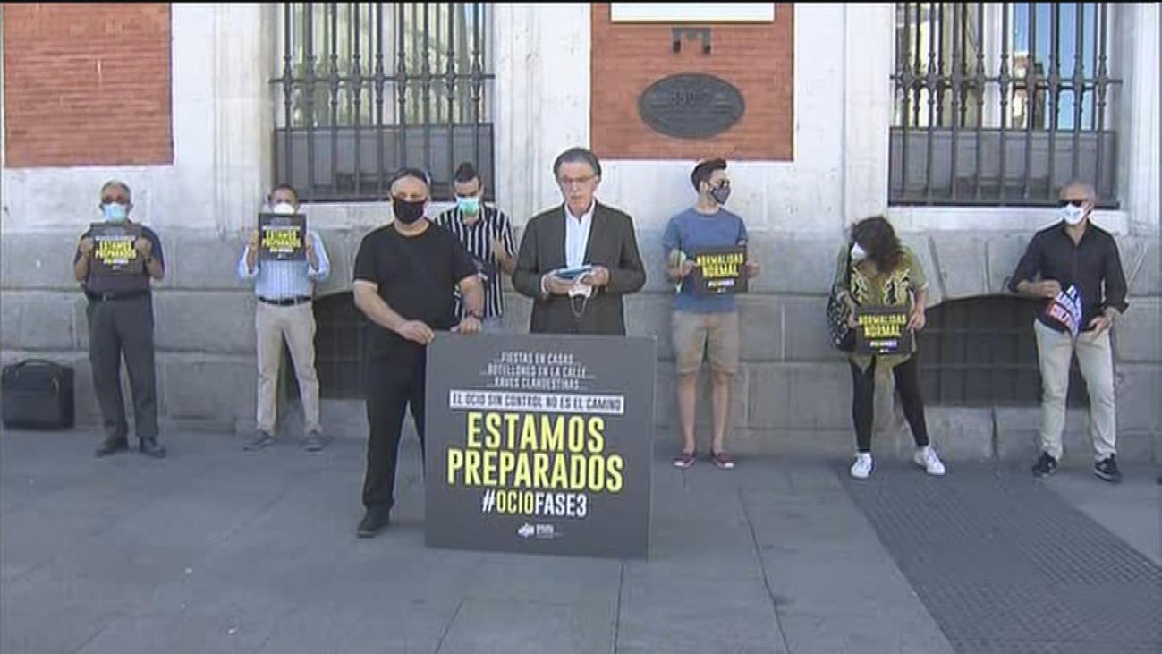 El sector del ocio nocturno se manifiesta en Sol el día en que Madrid autoriza su reapertura