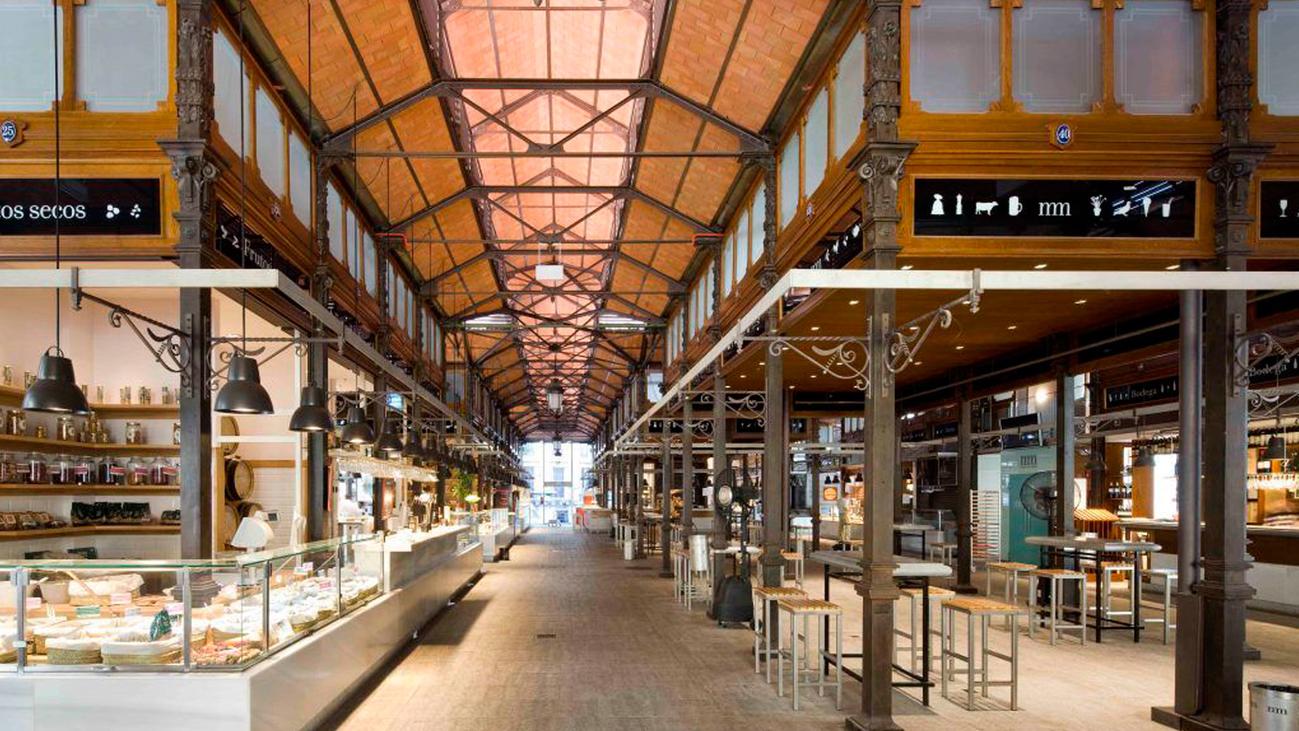 El Mercado de San Miguel reabre con su oferta gastronómica y aforo limitado
