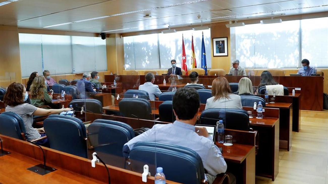 El PSOE presidirá la Comisión de Reconstrucción de la Asamblea gracias a la abstención de Vox