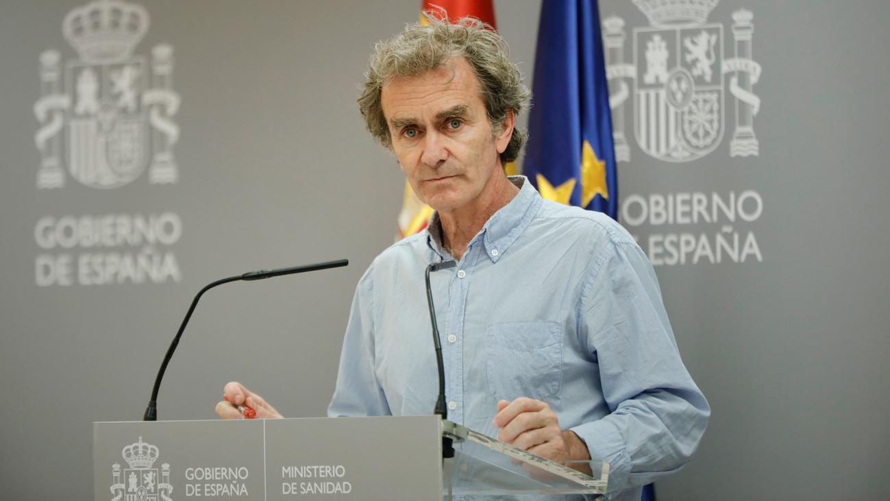"""La transmisión comunitaria baja en España pero la pandemia """"está lejos de terminar"""""""