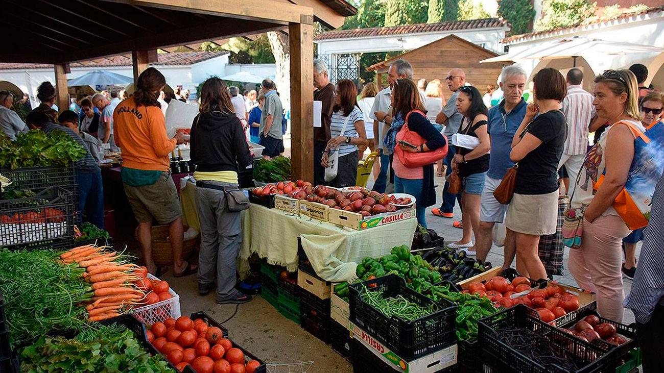 Una edición del Mercado de la Cámara Agraria, que se celebra cada primer sábado de mes en la Casa de Campo