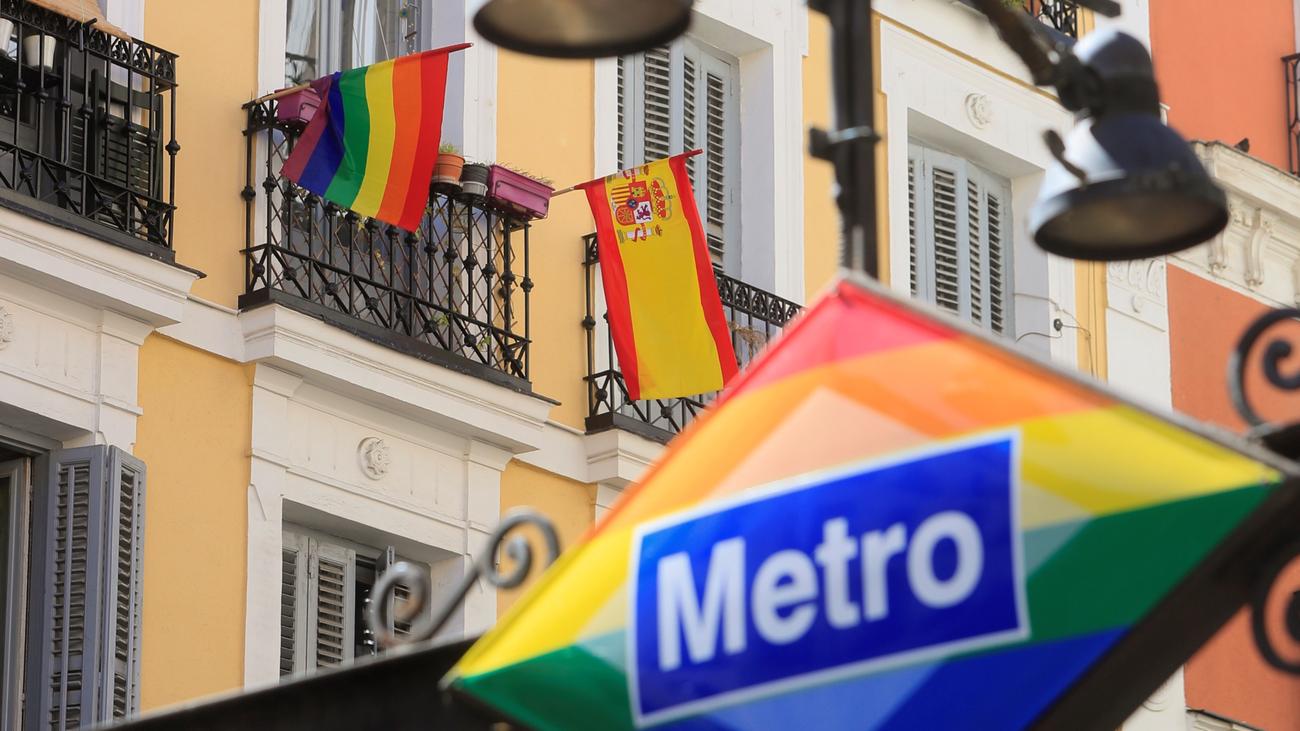 Las mujeres LTB lideran el Orgullo 2020 para mostrar su doble discriminación