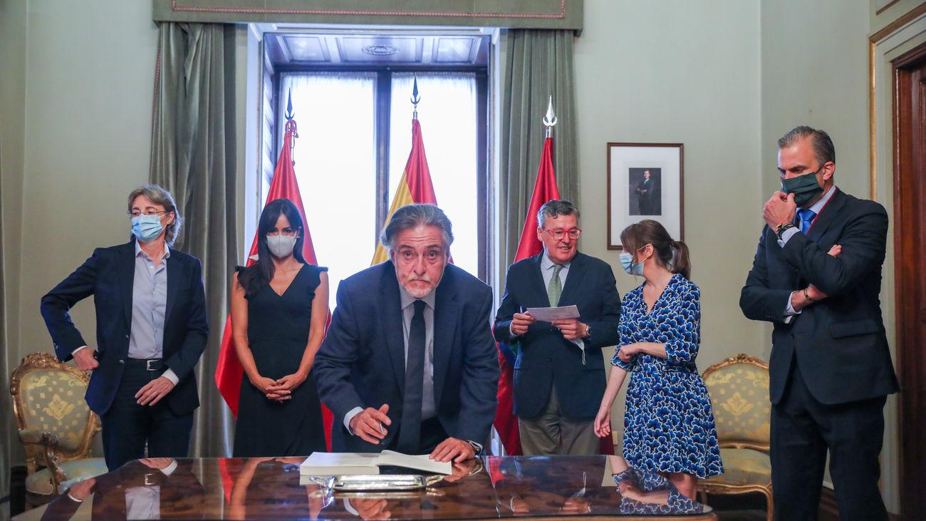 Pepu Hernández, en la firma de los Pactos de la Villa