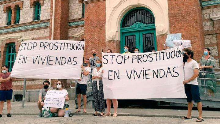 Vecinos de Arganzuela protestan por la proliferación de prostíbulos en el barrio