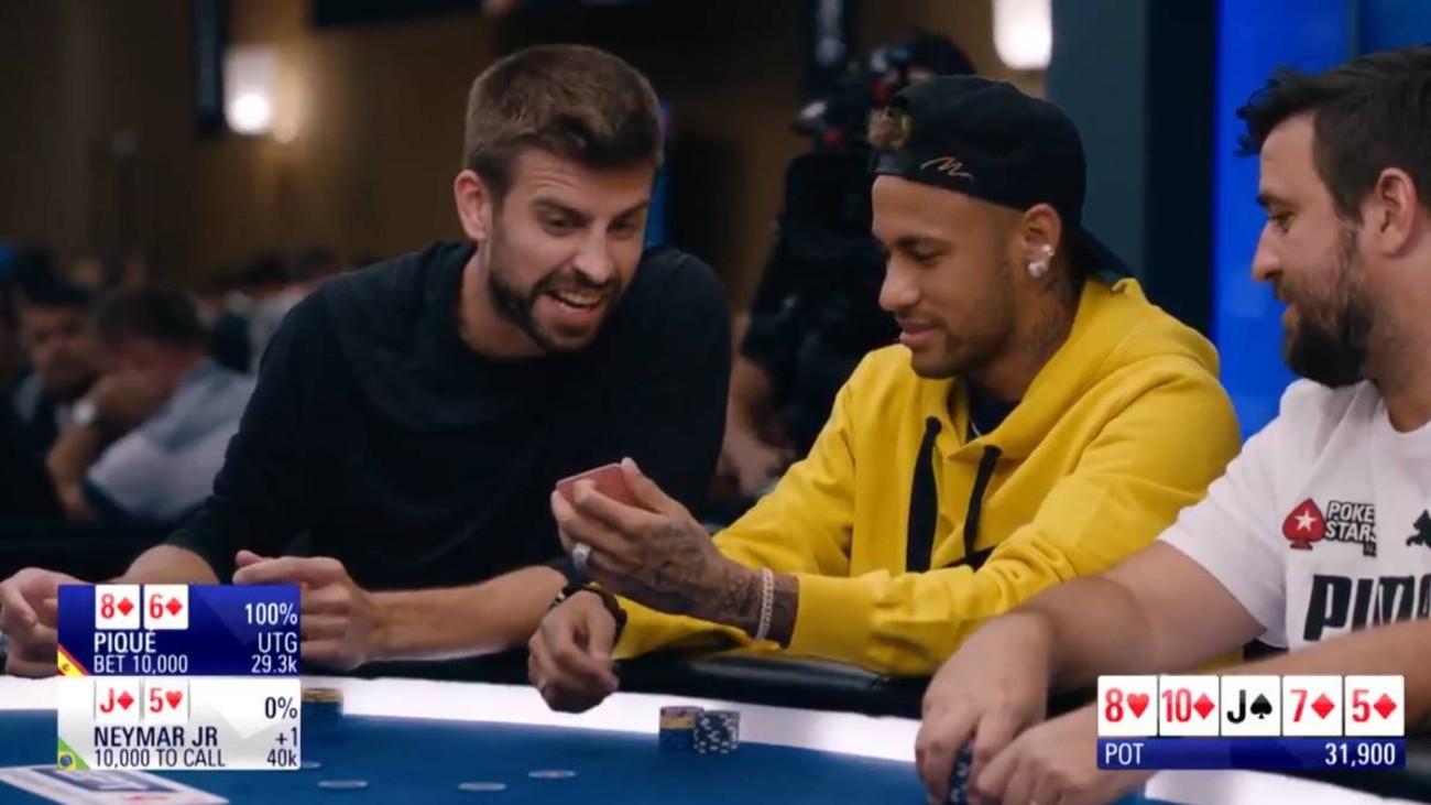 Piqué y Neymar juegan al póker
