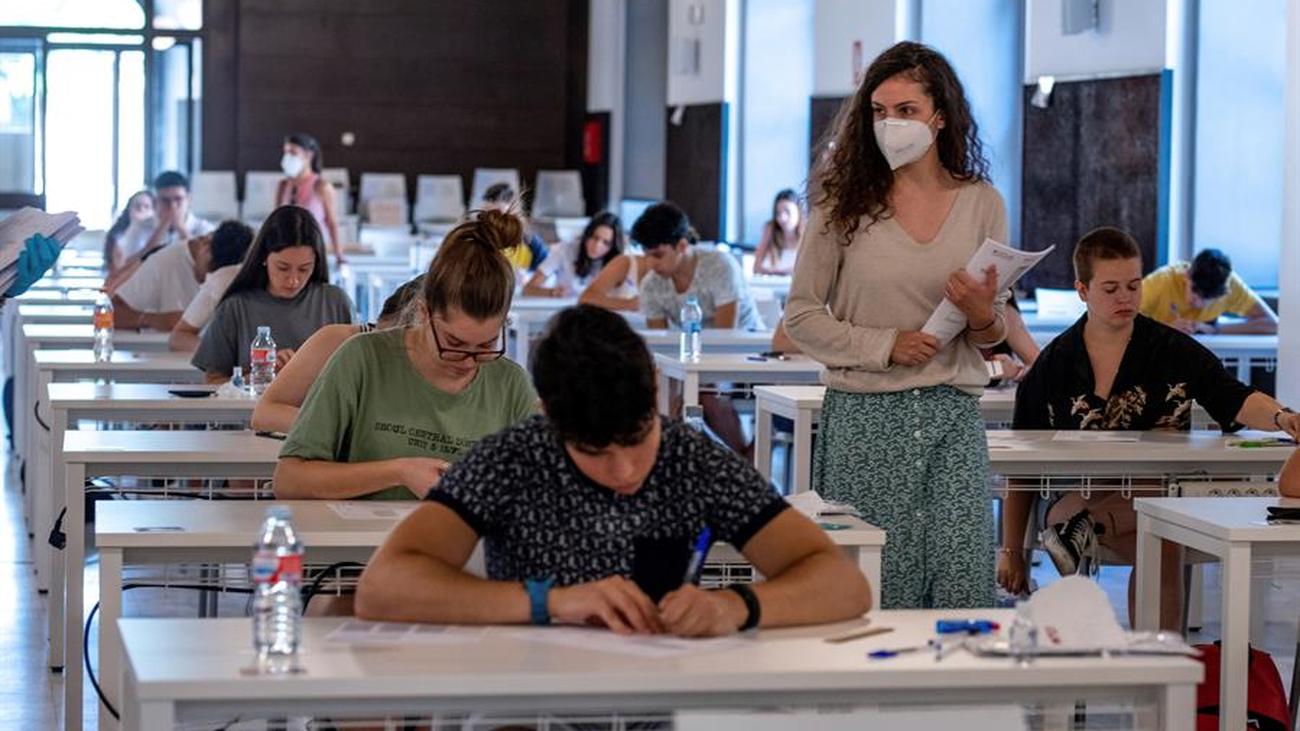El triple error en el examen de Historia de la EvAU denunciado por un instituto de Fuenlabrada