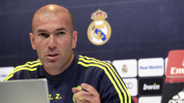 """Zidane: """"Cuento con Jovic para el próximo año"""""""