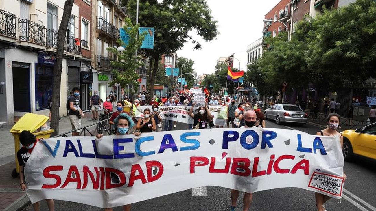 Vallecas sale a la calle por los servicios públicos