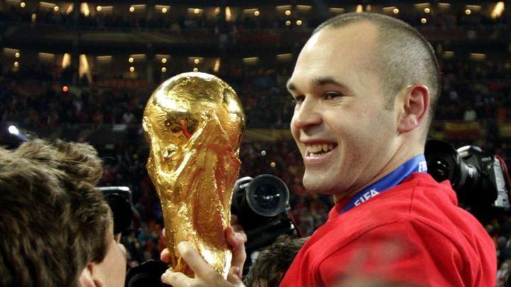 """Iniesta: """"En 2010 se juntaron muchas circunstancias para lograr lo imposible"""""""
