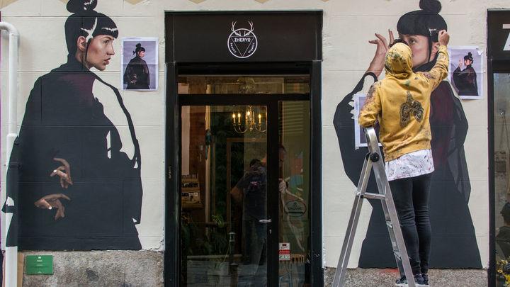 C.A.L.L.E vuelve a llenar de color y arte urbano a Lavapiés
