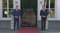 """Sánchez se reúne con el holandés Rutte para convencerle de un acuerdo europeo """"ambicioso y solidario"""""""