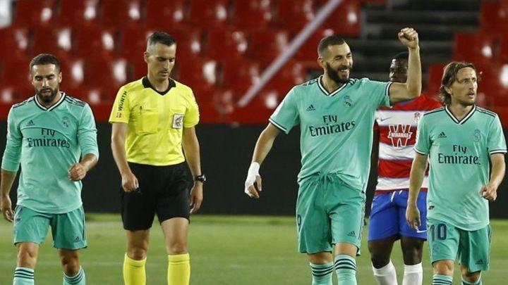 1-2. El Real Madrid no falla en Granada y ya acaricia el título de Liga