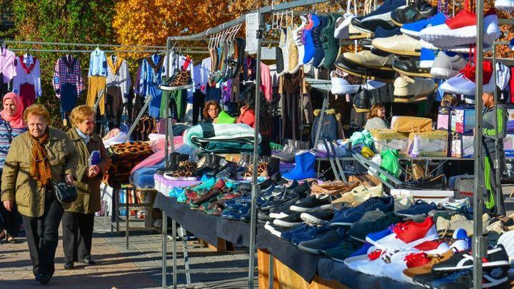 El mercadillo regresa a Torrejón con el 60% de sus puestos y la obligación de llevar mascarilla