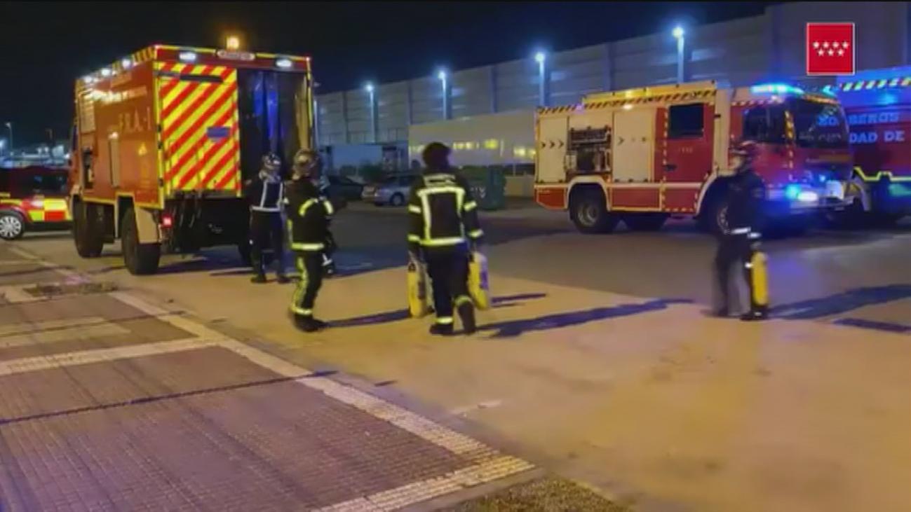 Arde una nave de reciclado electrónico en Torrejón sin que se produzcan heridos