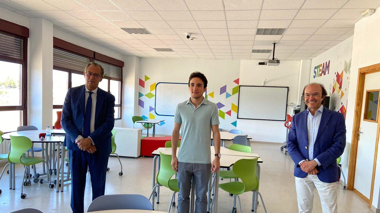 Franco Salinas, el alumno con mayor nota en EVAU, en su colegio