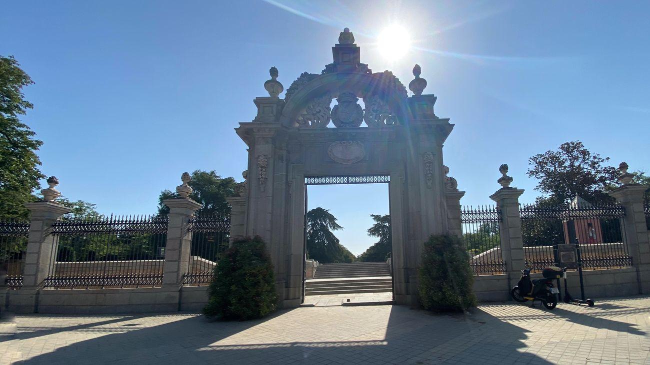Puerta de acceso al parque del Retiro