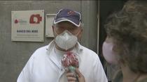 Las 'colas del hambre' se mantienen en Madrid, con trabajadores en paro y autónomos que piden ayuda